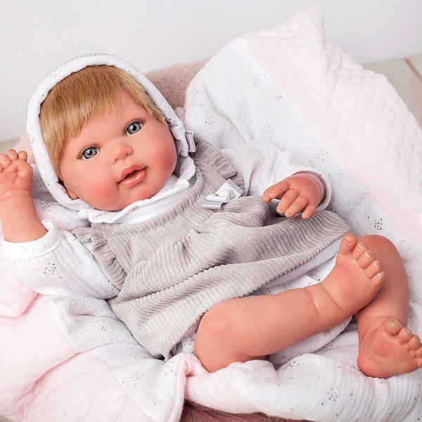 bebe reborn emma con manta y peluche