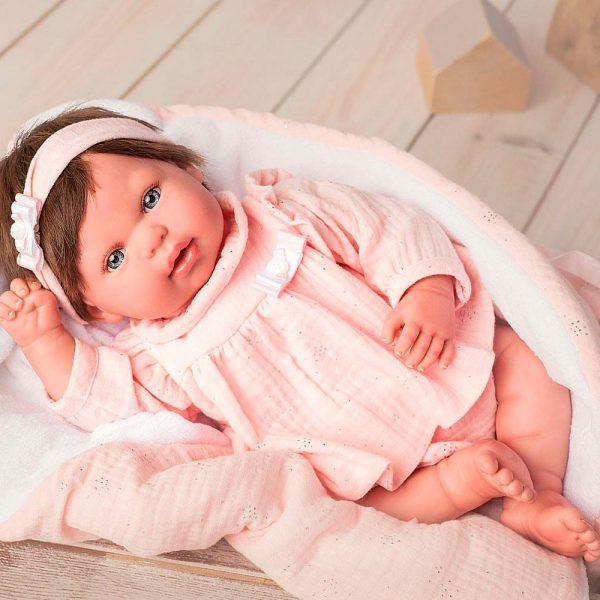 bebe reborn valentina con manta y peluche